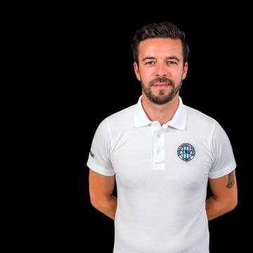 trainer-Veg Čongor
