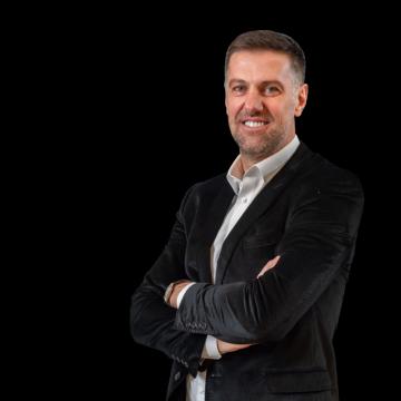 trainer-Krstajić Mladen